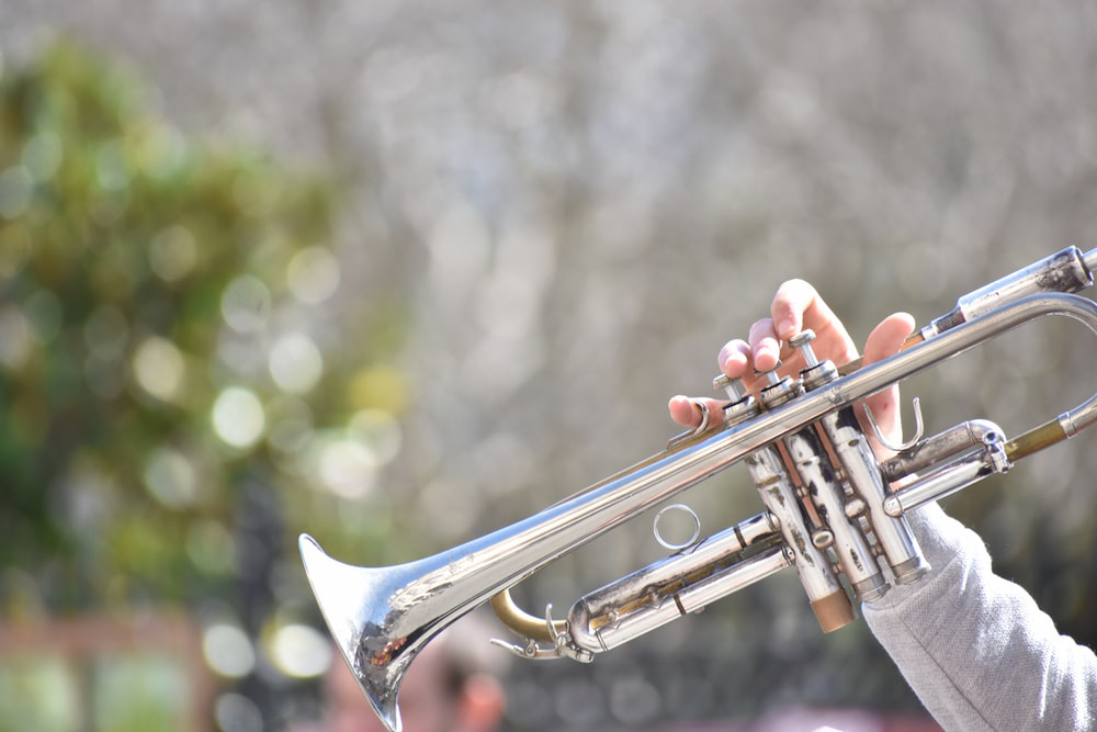 What Is The Importance of Attire in Jazz Performances? | Razzmajazz Dixieland Band