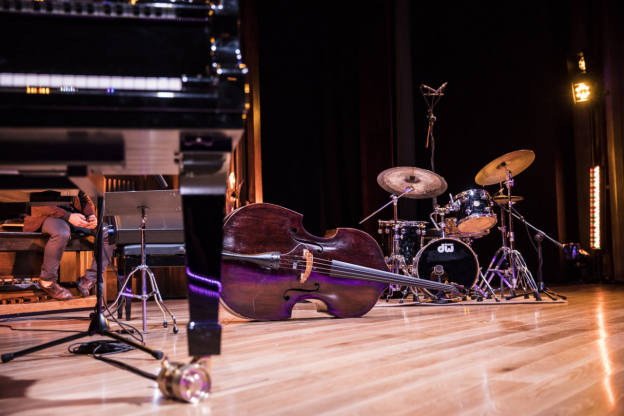 Why a Swing Jazz Band is the Perfect Pick-Me-Up at Your Office Party | Razzmajazz Dixieland Band